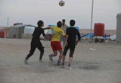 نهائي دوري الناشئين في مخيم عين عيسى بحضور اعضاء لجنة الشباب والرياضة