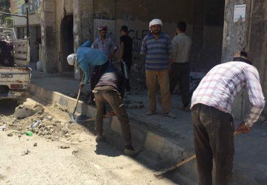 حوار مع نور احد منظمي مشروع النظافة (العمل مقابل الأجر )في مخيم عين عيسى