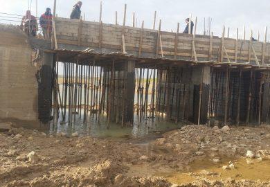 آخر تطورات مشروع اعادة تأهيل الجسر العتيق مع مراسلنا عبد في الرقة
