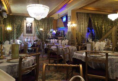 مطعم تونسي شهير يطرد طفلين متسولين