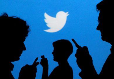 تويتر طريقة تسهل متابعة الآخرين