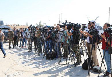 العمل في مجال الدعاية والإعلام