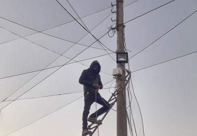 مشروع نورها لإنارة الشوارع في البلدية مع مراسلنا عبد في الرقة
