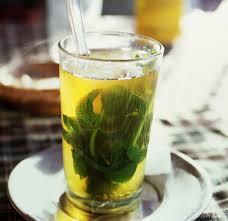 الشاي السحري يخلصك من تورم الساقين