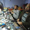 عبد الرحيم أبو محمد مهندس صوت يعمل في صيانة الإلكترونيات