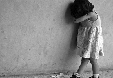 – تعالم نسولف الحلقة 64 – العنف ضد الكبار والصغار