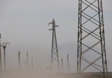 وضع الكهرباء في الريف الشرقي في دير الزور مع مراسلنا باسم عزيز