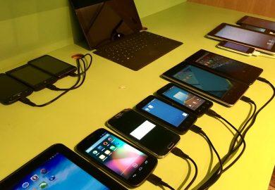 استخدام الأجهزة الالكترونية وتأثيرها على صحة أطفال المنطقة مع فاطمة الأحمد