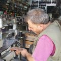 قصة أبو حارث – بائع أحذية في الرقة