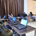 تدريبات برامج الحاسوب واللغة للشباب