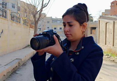 مساهمة مشروع مواطنون فاعلون من منظمة ماري في تفعيل دور الشباب وإعادة الحياة لدير الزور مع جوري مطر