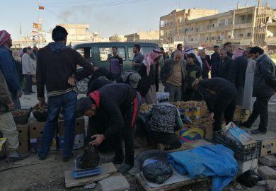أبو لامي صاحب محل يحكي عن الاحتيال الحاصل في مدينة الرقة