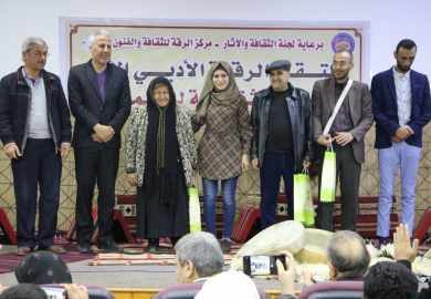 قصة أحمد الحمدو شاعر وقاص من الطبقة مشارك في الملتقى الأدبي الأول في الرقة