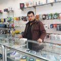 تجربة عبد الرحمن كشاب قرر أن يفتتح محل في الرقة دون مساعدة أحد